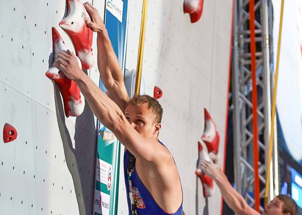 libor-hroza-speed-climber-at-start-perfect-descent-athlete