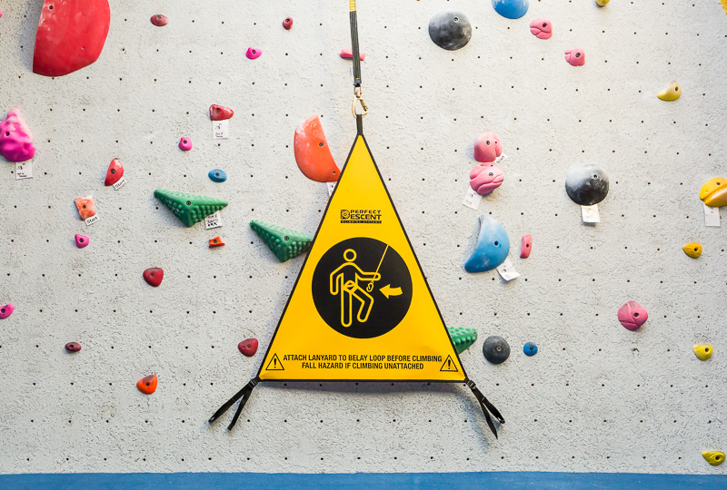 perfect-descent-auto-belay-gate-front-horizontal