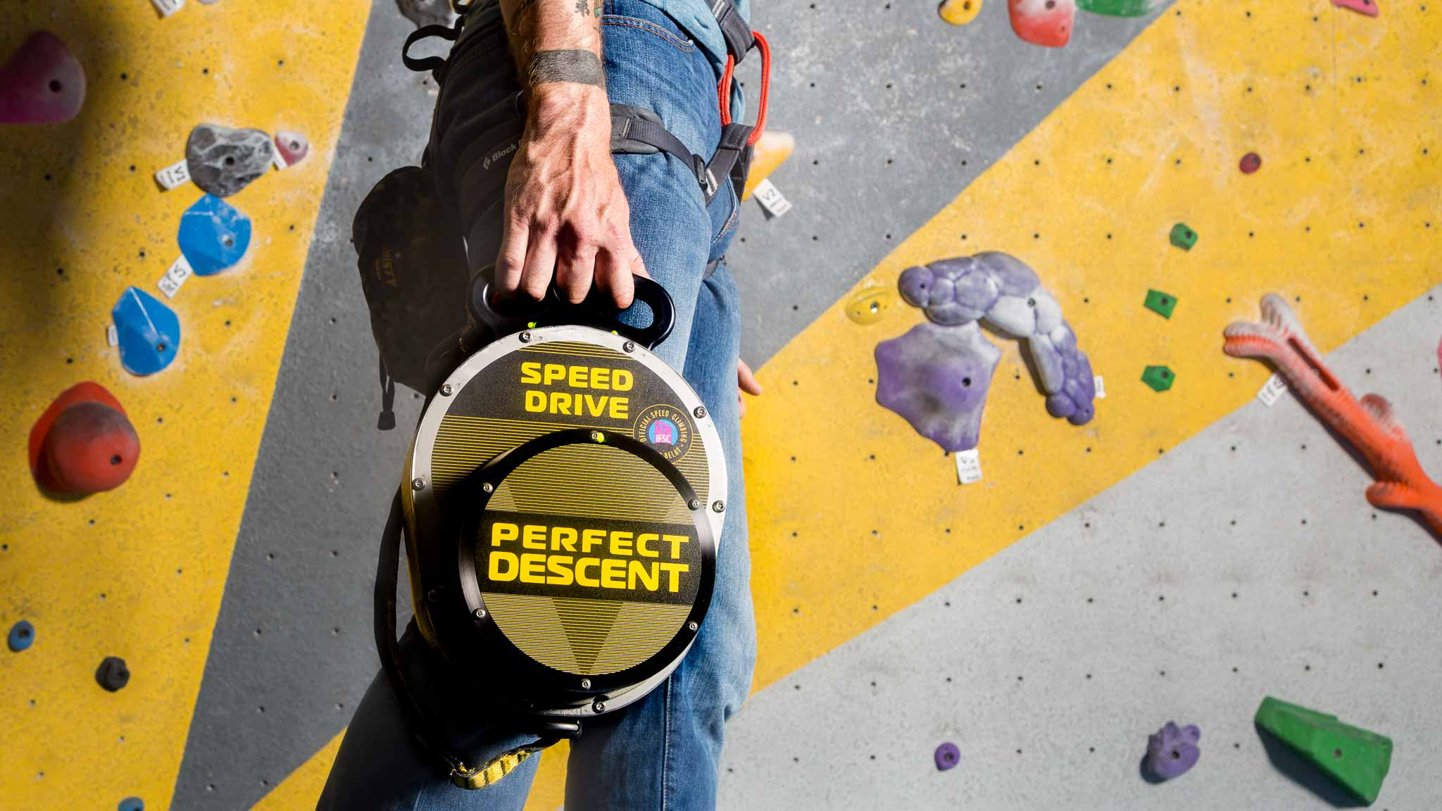 perfect-descent-speed-drive-auto-belay-man-carrying